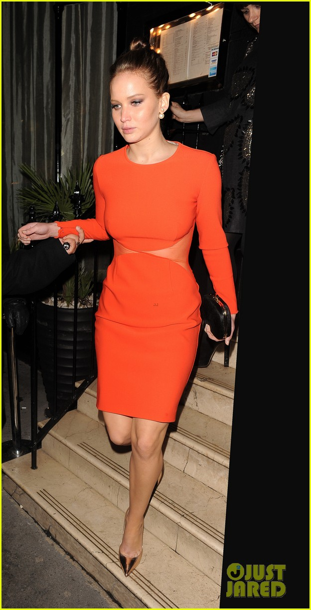 jennifer lawrence lovely london dinner 05