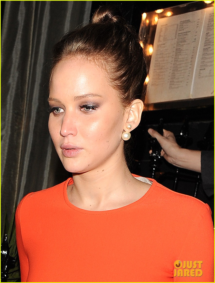 jennifer lawrence lovely london dinner 08