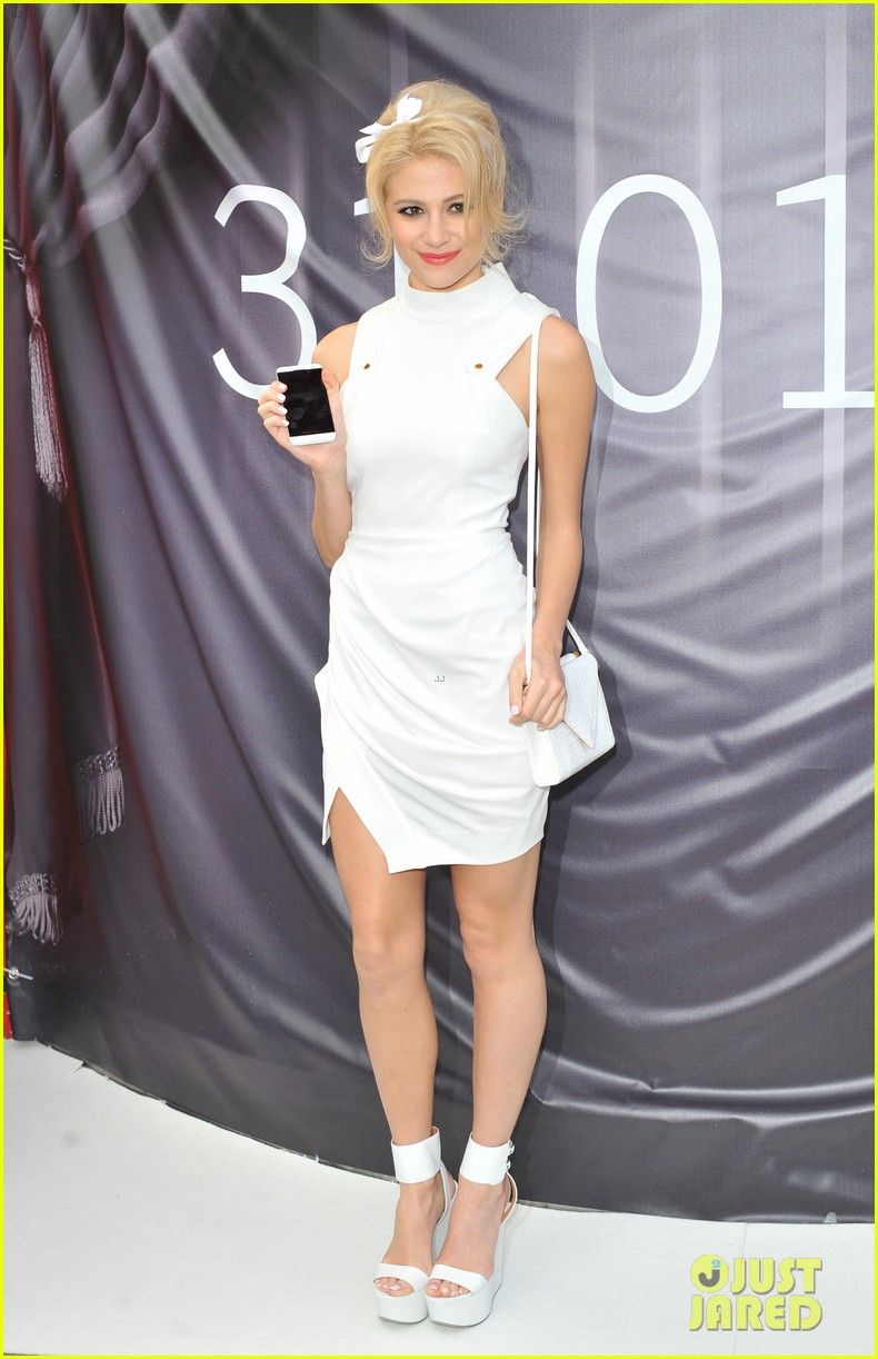 pixie lott blackberry z10 launch event 15
