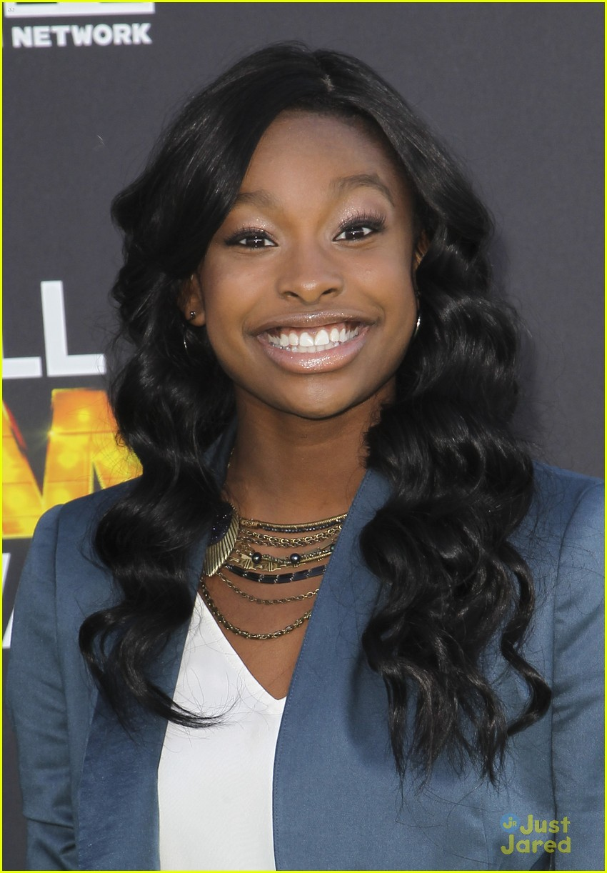 bridgit mendler coco jones hall game awards 08