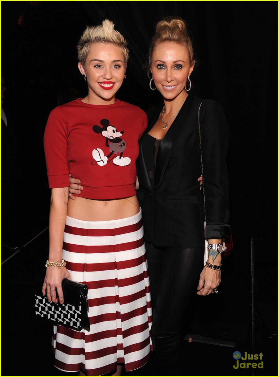 miley cyrus marc jacobs=show 02