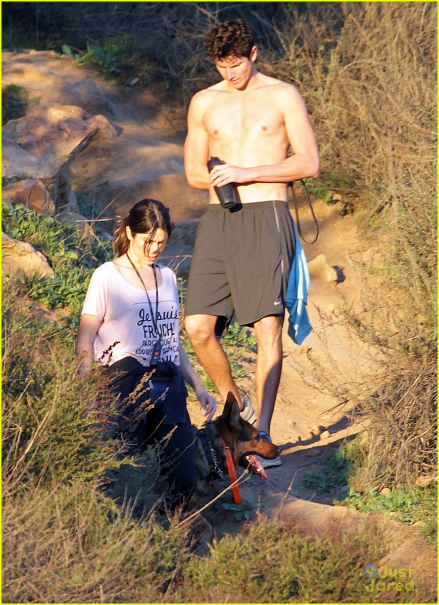 nikki reed hike hills dogs 03
