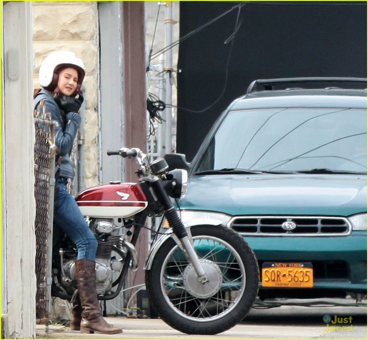 shailene woodley andrew garfield cycle spiderman 10