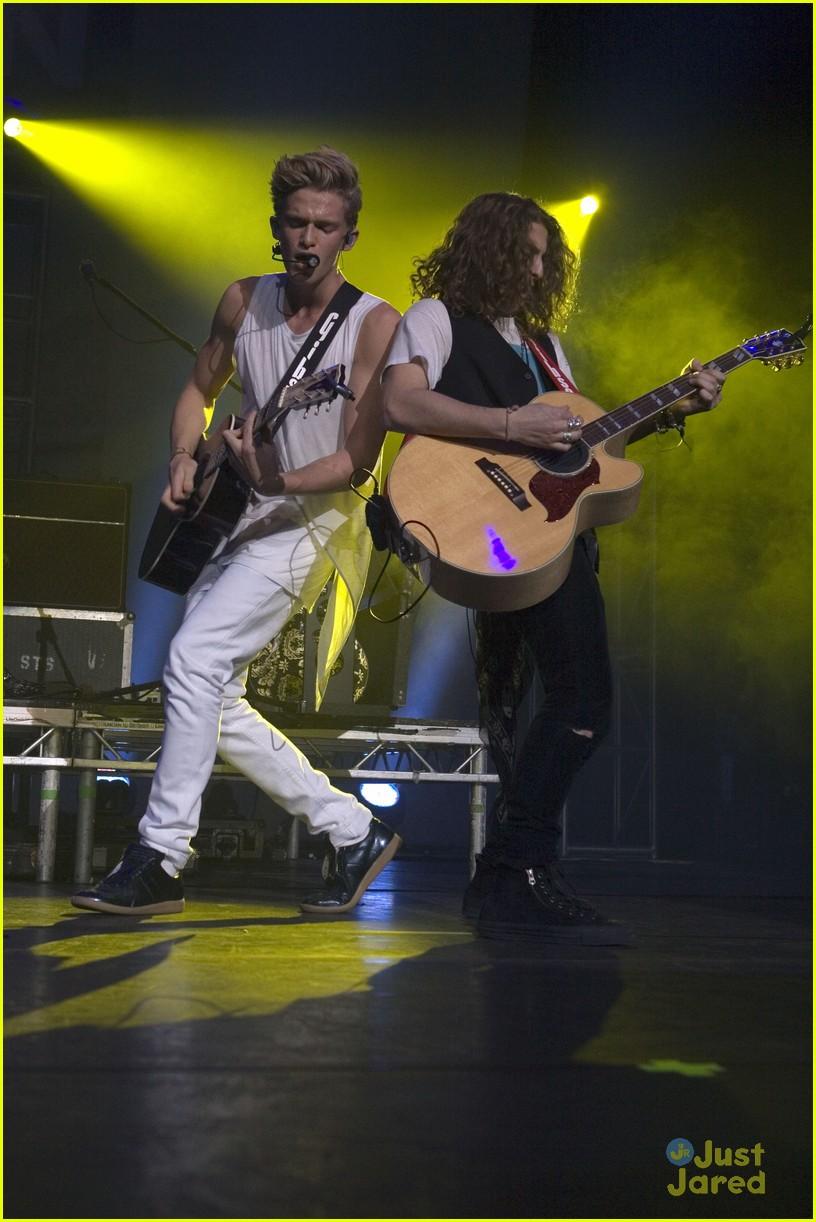 cody simpson glasgow concert pics 36