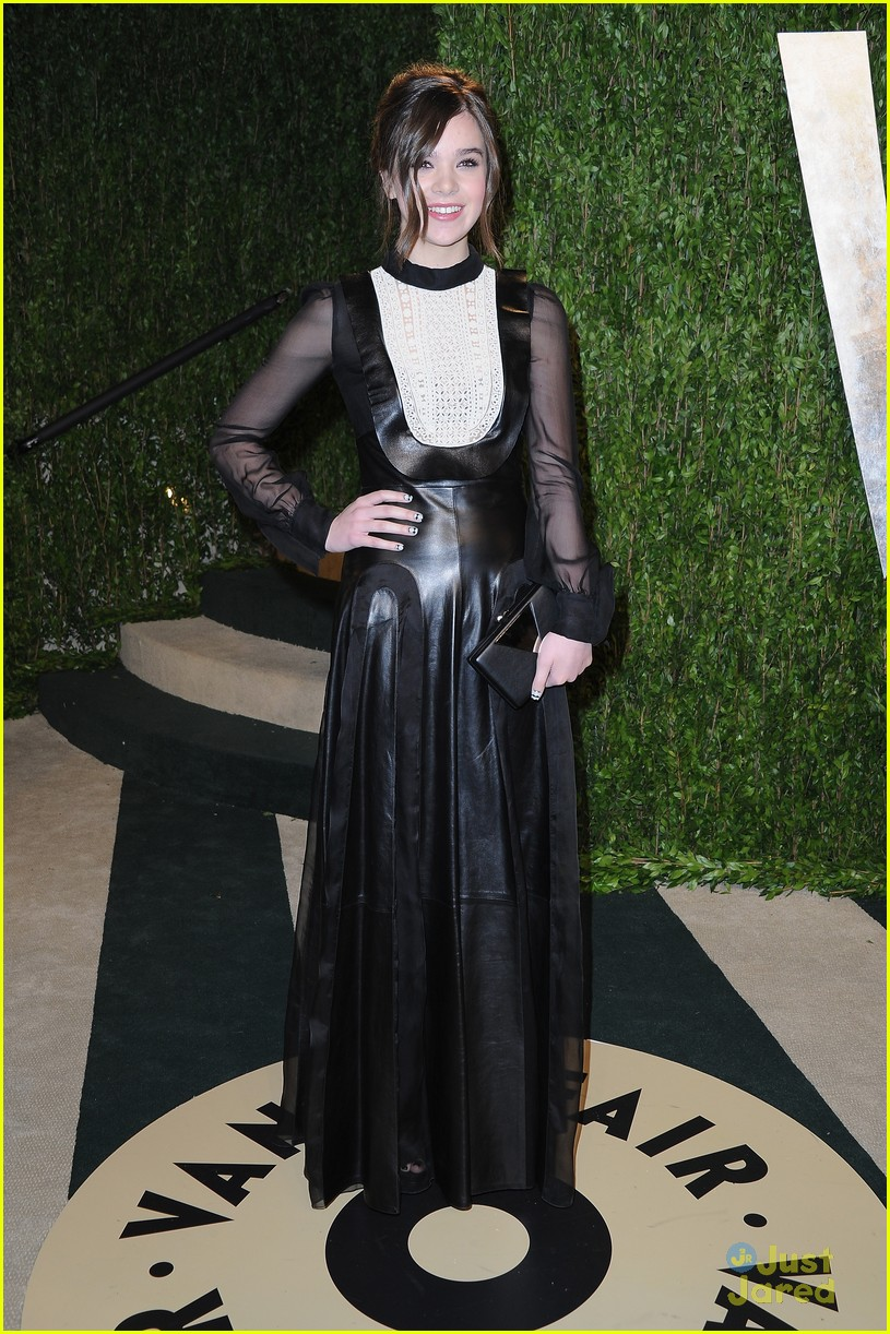 hailee steinfeld vanity fair oscar party 2013 08