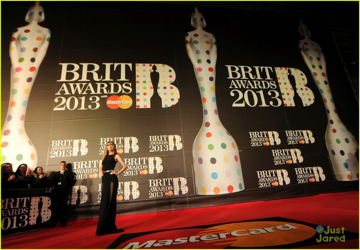taylor swift brit awards 19