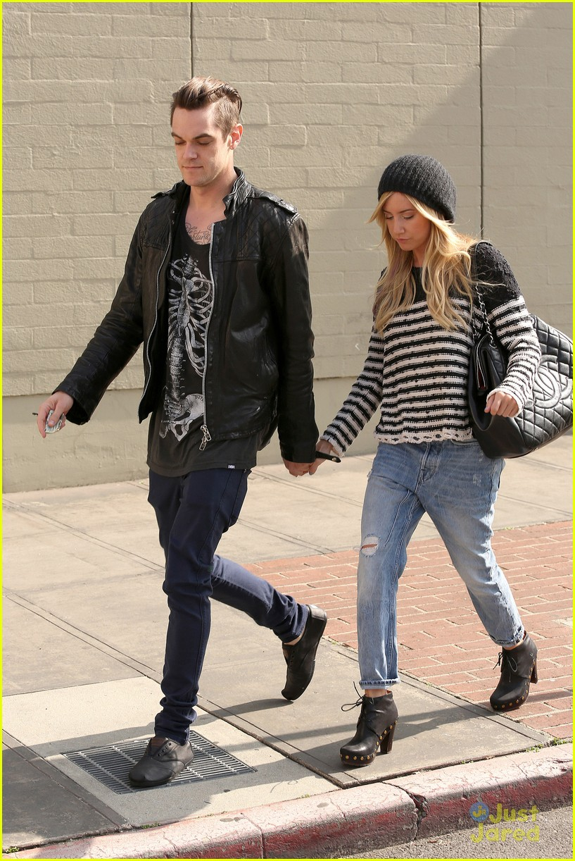 ashley tisdale chris french lunch date 03