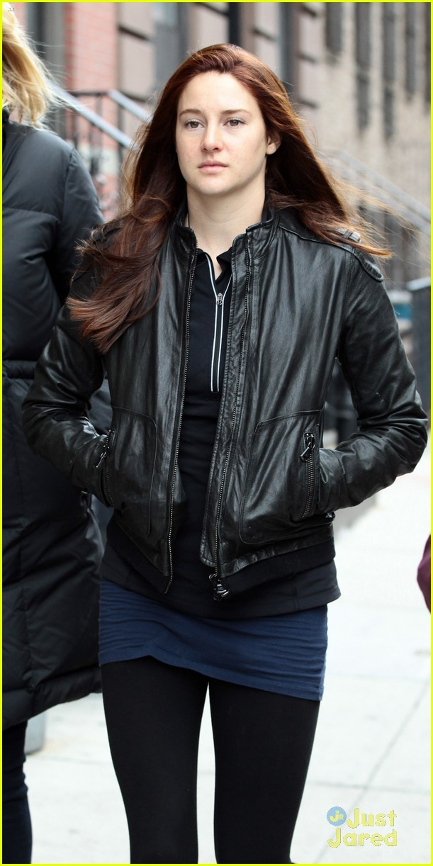 shailene woodley red hair for amazing spider man 2 filming 06