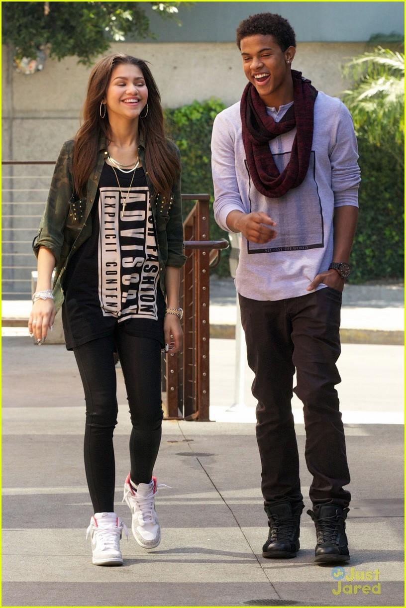Zendaya & Trevor Jackson: Record Store Duo! | Photo 541350 ...