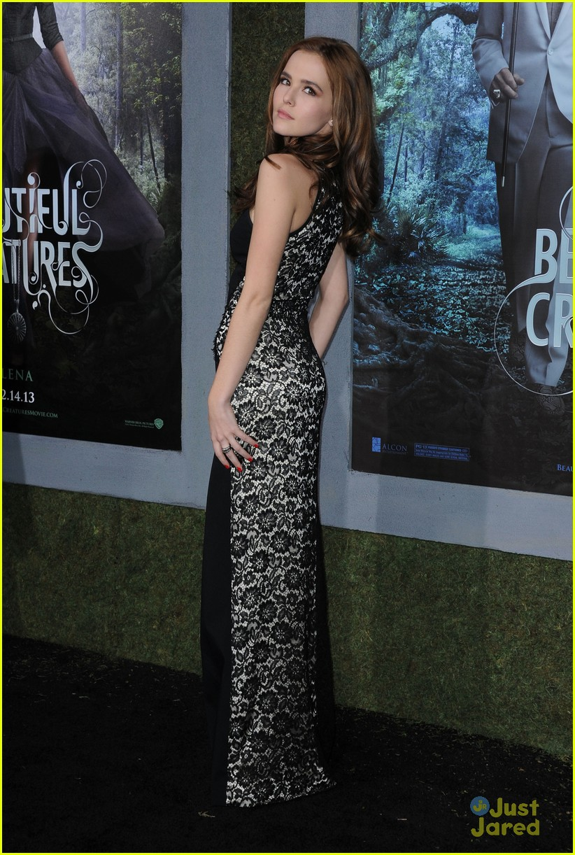 Zoey Deutch: 'Beautiful Creatures' Premiere Pretty | Photo ... Zoey Deutch Beautiful Creatures Premiere