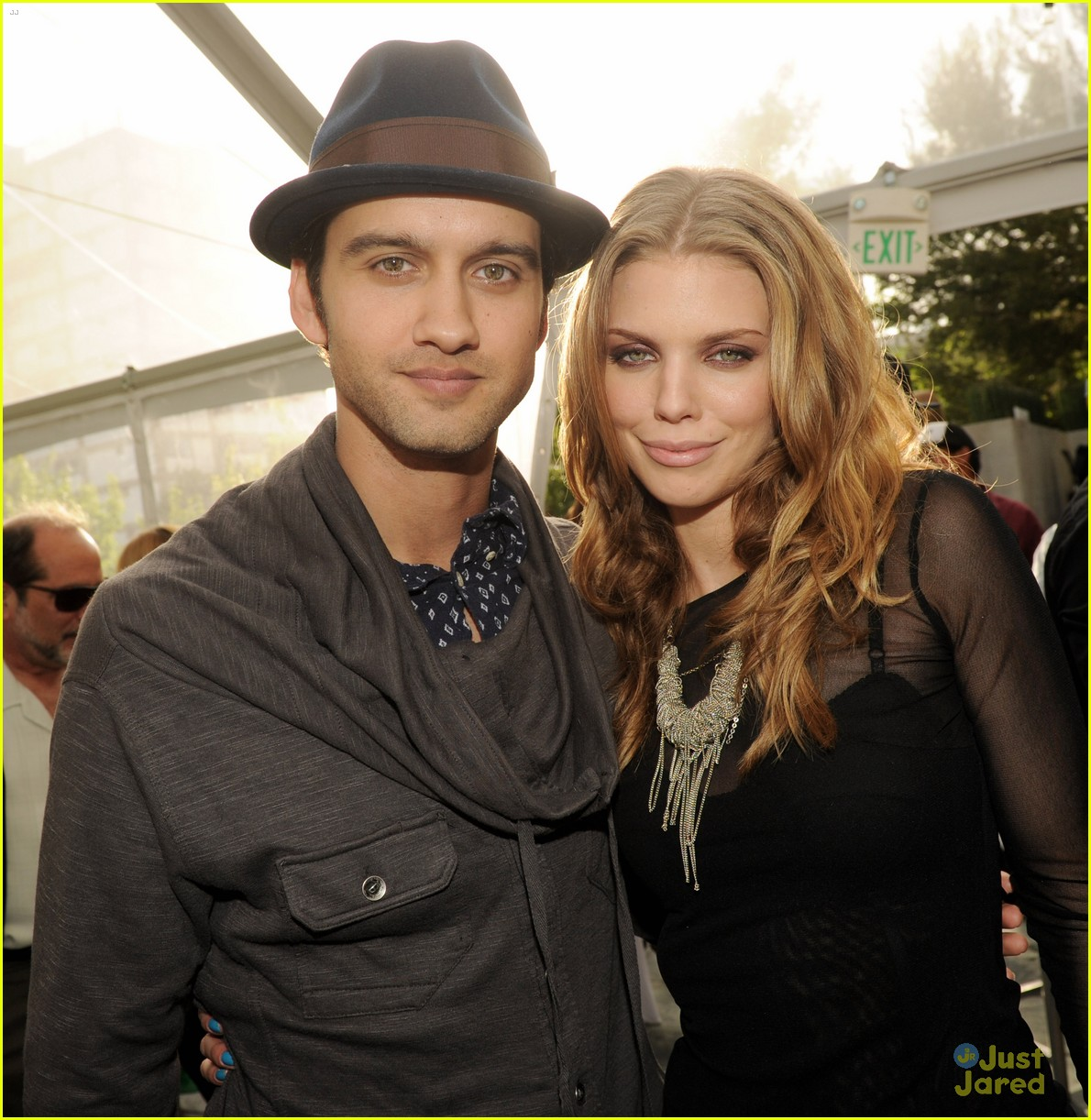 90210 wrap party pics 01