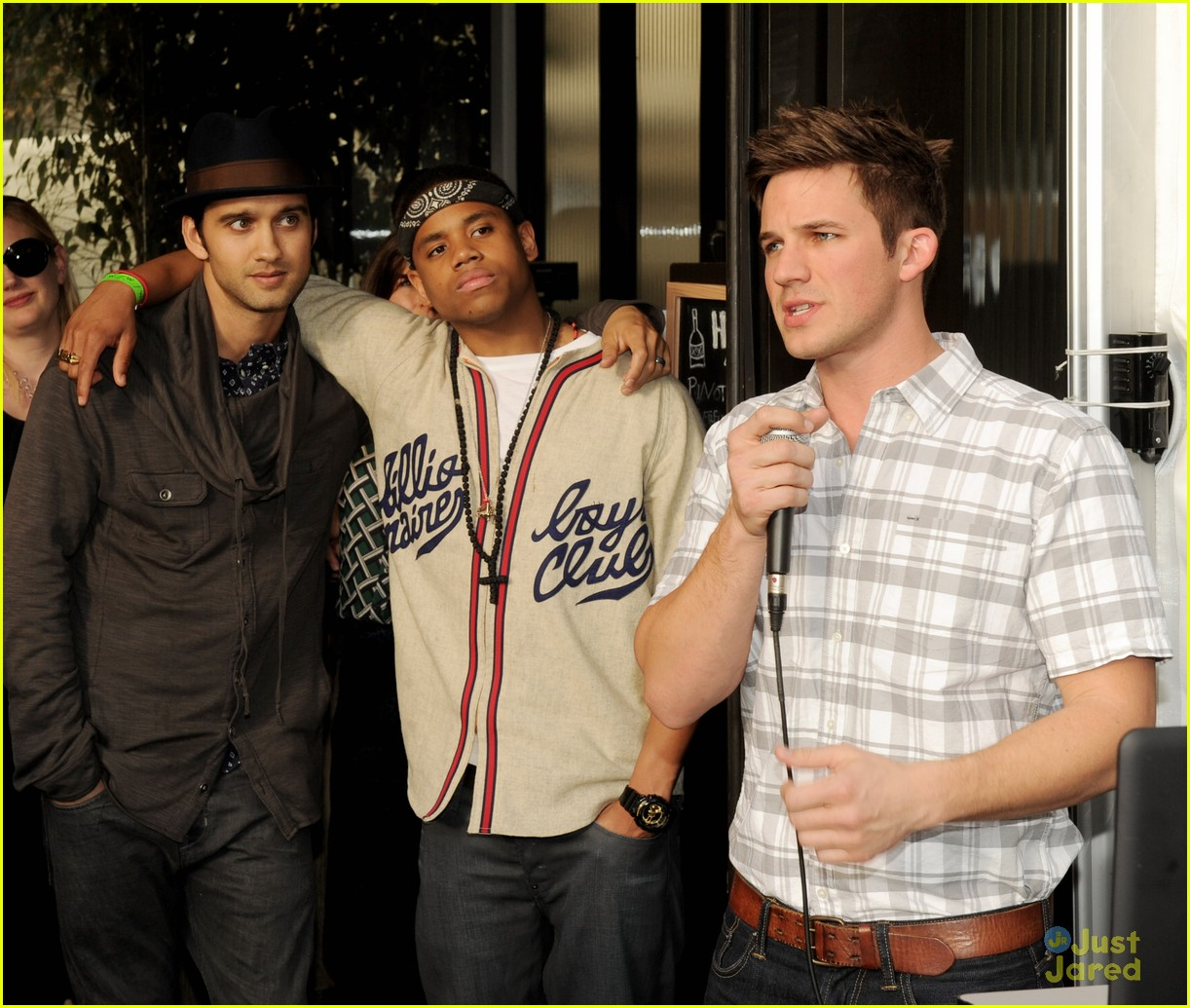 90210 wrap party pics 03