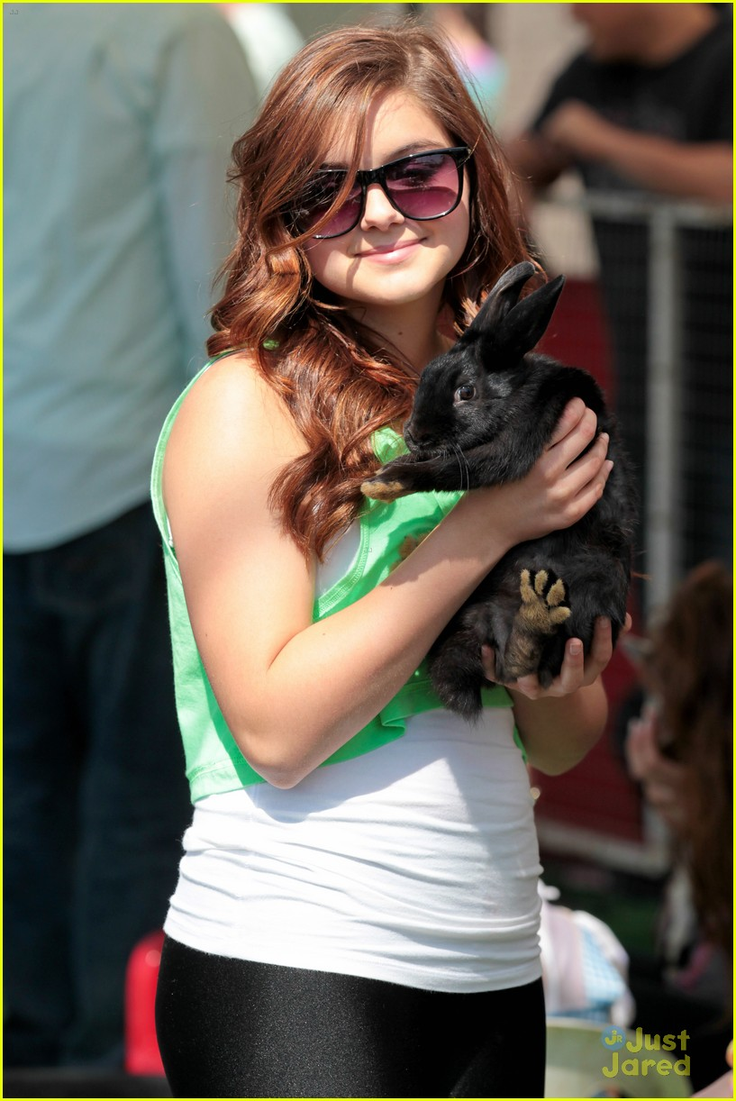 ariel winter green market 08