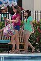 sarah hyland ariel winter pool mf 06