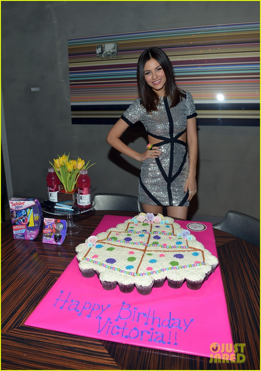 victoria justice: 20th birthday party with colton haynes! | photo