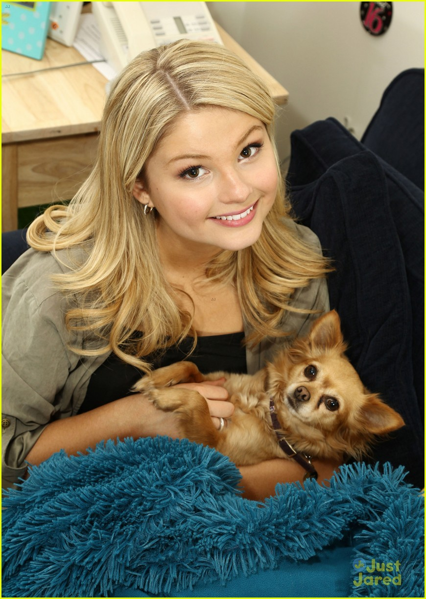 stefanie scott ant farm dressing room photos 05