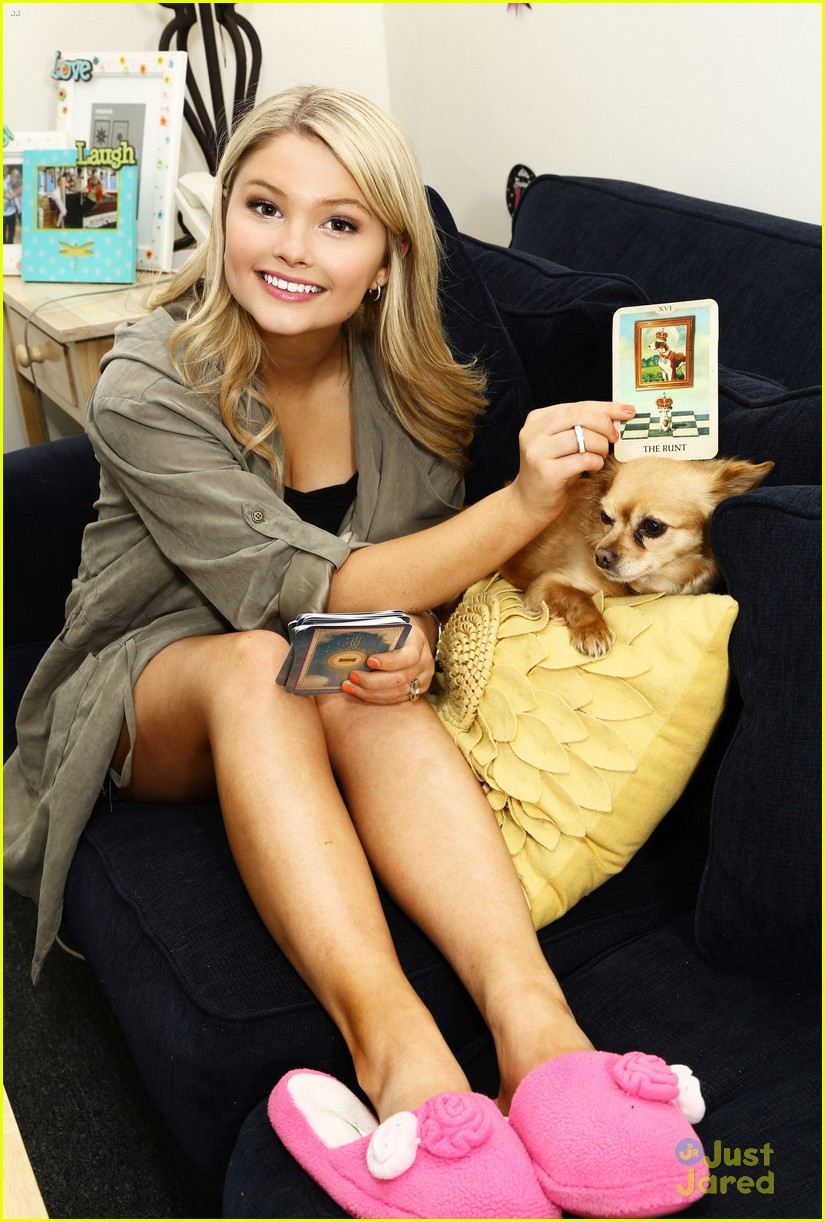 stefanie scott ant farm dressing room photos 18