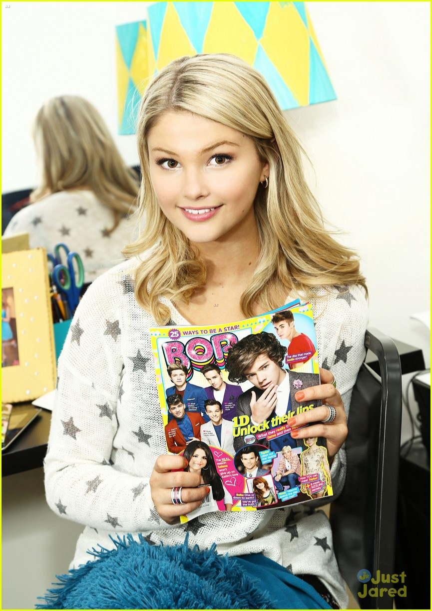 stefanie scott ant farm dressing room photos 27
