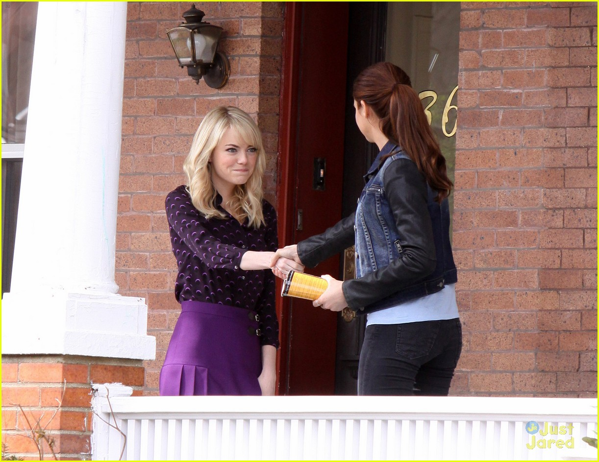 Emma stone shailene woodley spider man 2 meet up photo 544255 emma stone shailene woodley meet spiderman 05 m4hsunfo