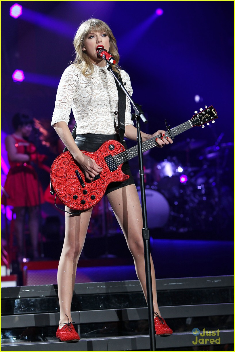 taylor swift newark night one 25