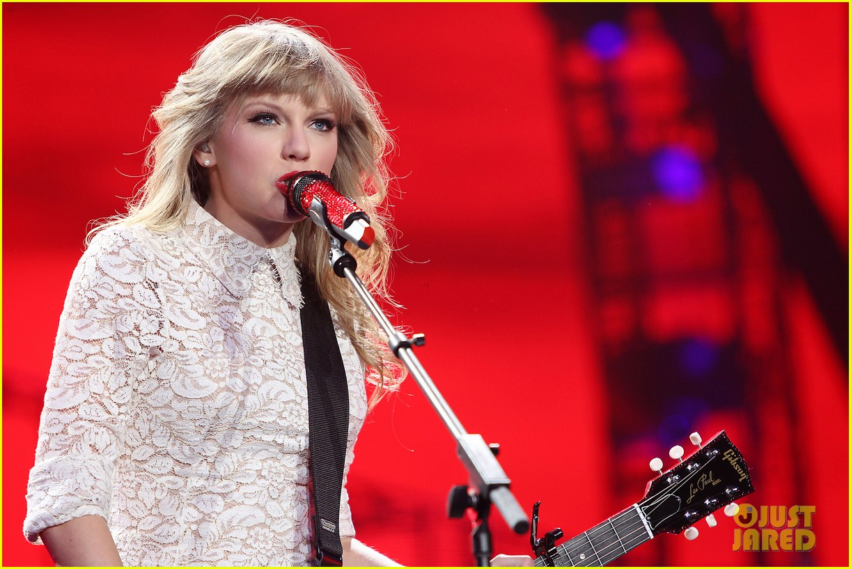 taylor swift drive by train red tour video 19