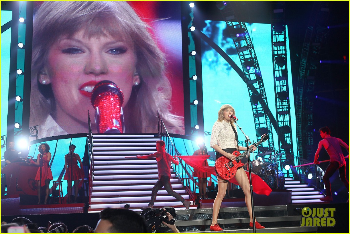 taylor swift drive by train red tour video 22