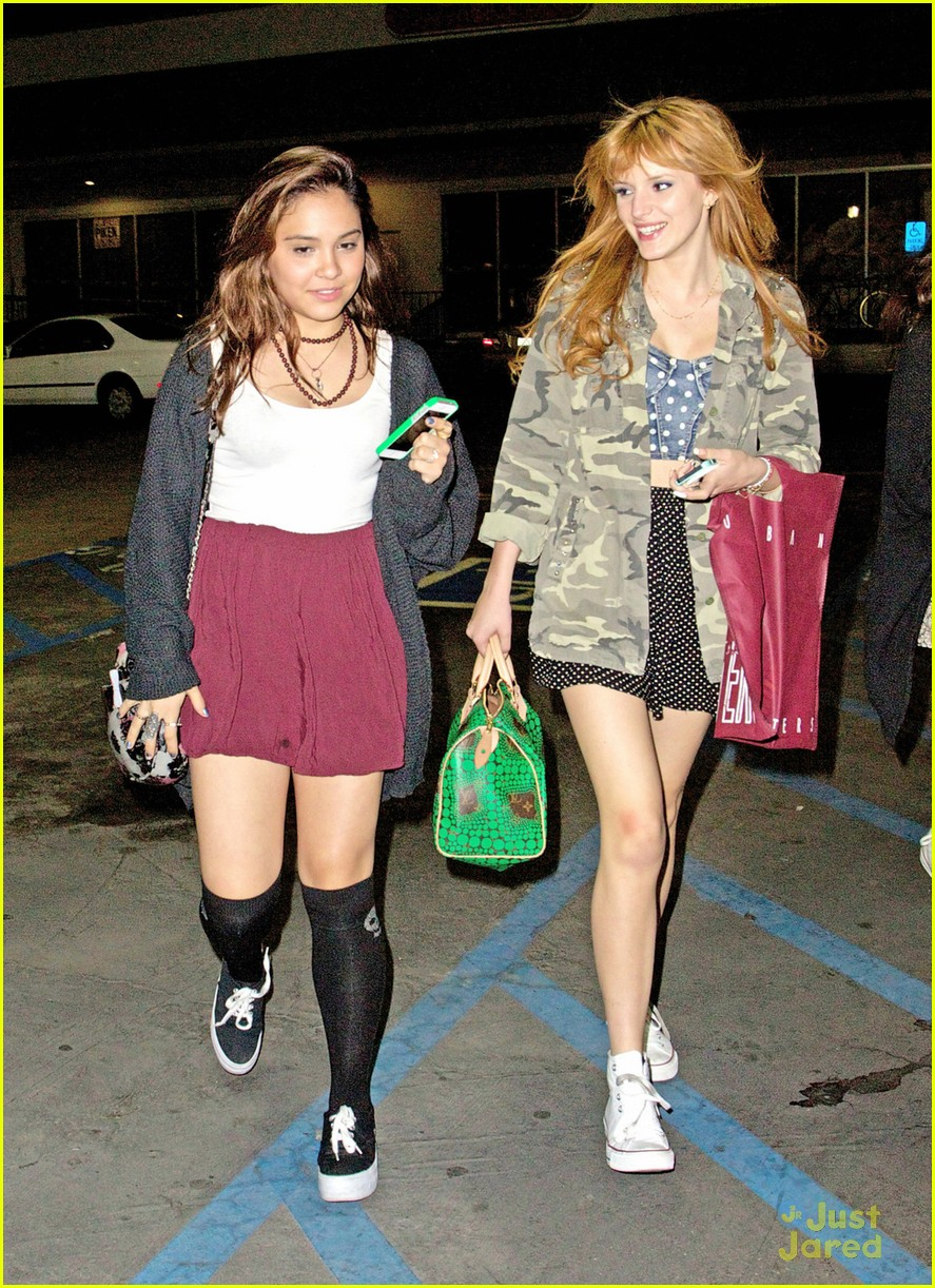 bella thorne stella hudgens urban outfitters pair 08
