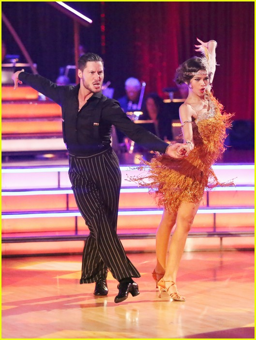 zendaya jive dancing with stars 02