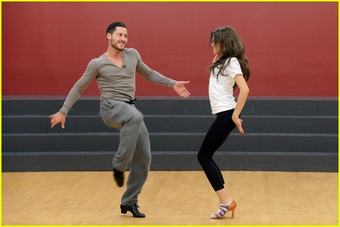 zendaya jive dancing with stars 14
