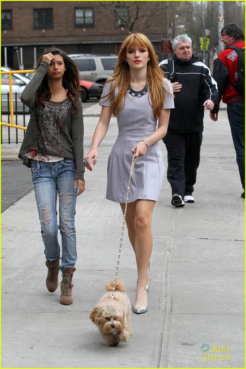 bella thorne nyc dog walk with kingston 01