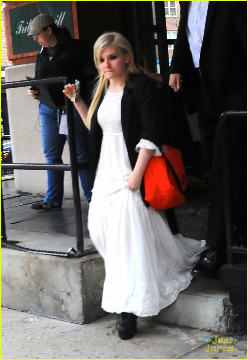 abigail breslin tribeca welcome lunch 02