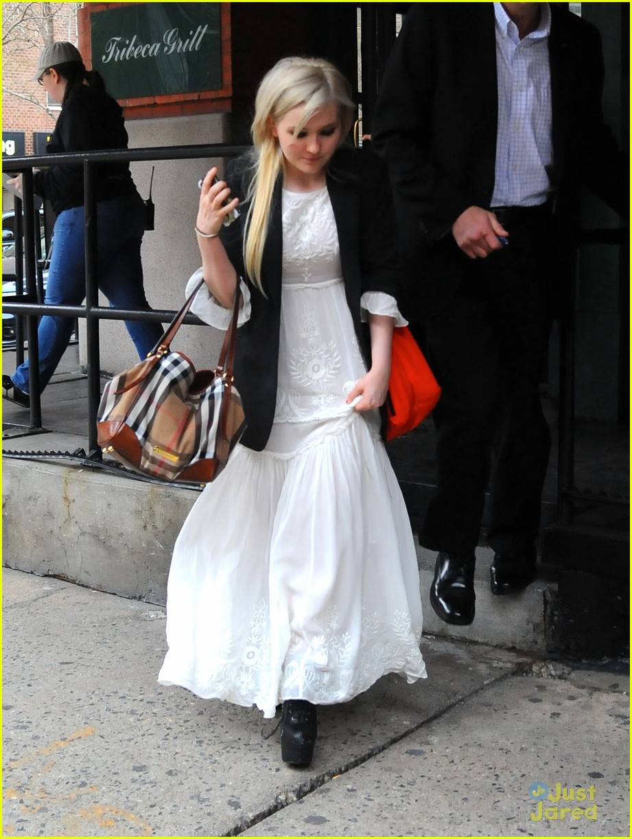 abigail breslin tribeca welcome lunch 03