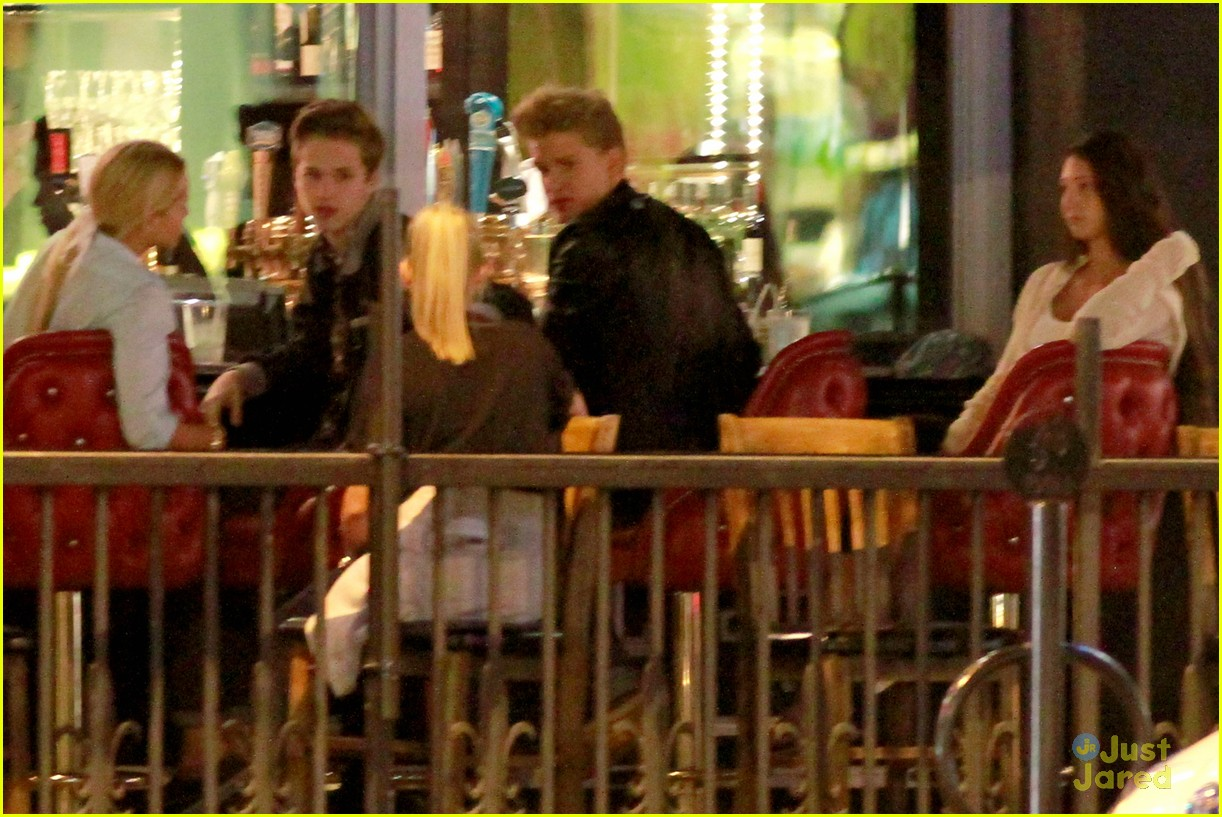 cody simpson ryan beatty double date 04