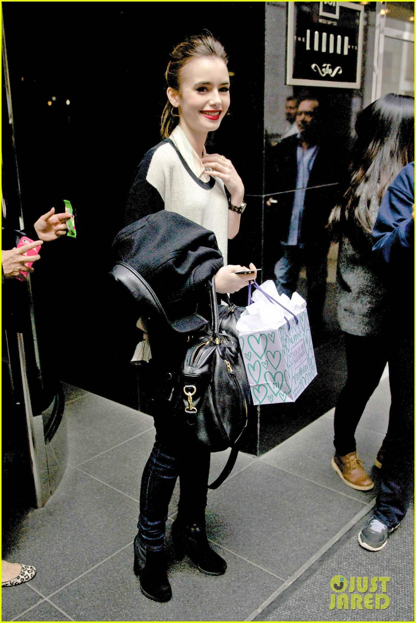 lily collins nyc photoshoot pretty 09