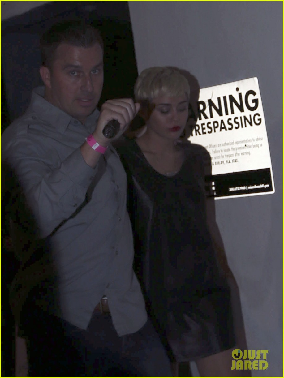 miley cyrus miami night out 06
