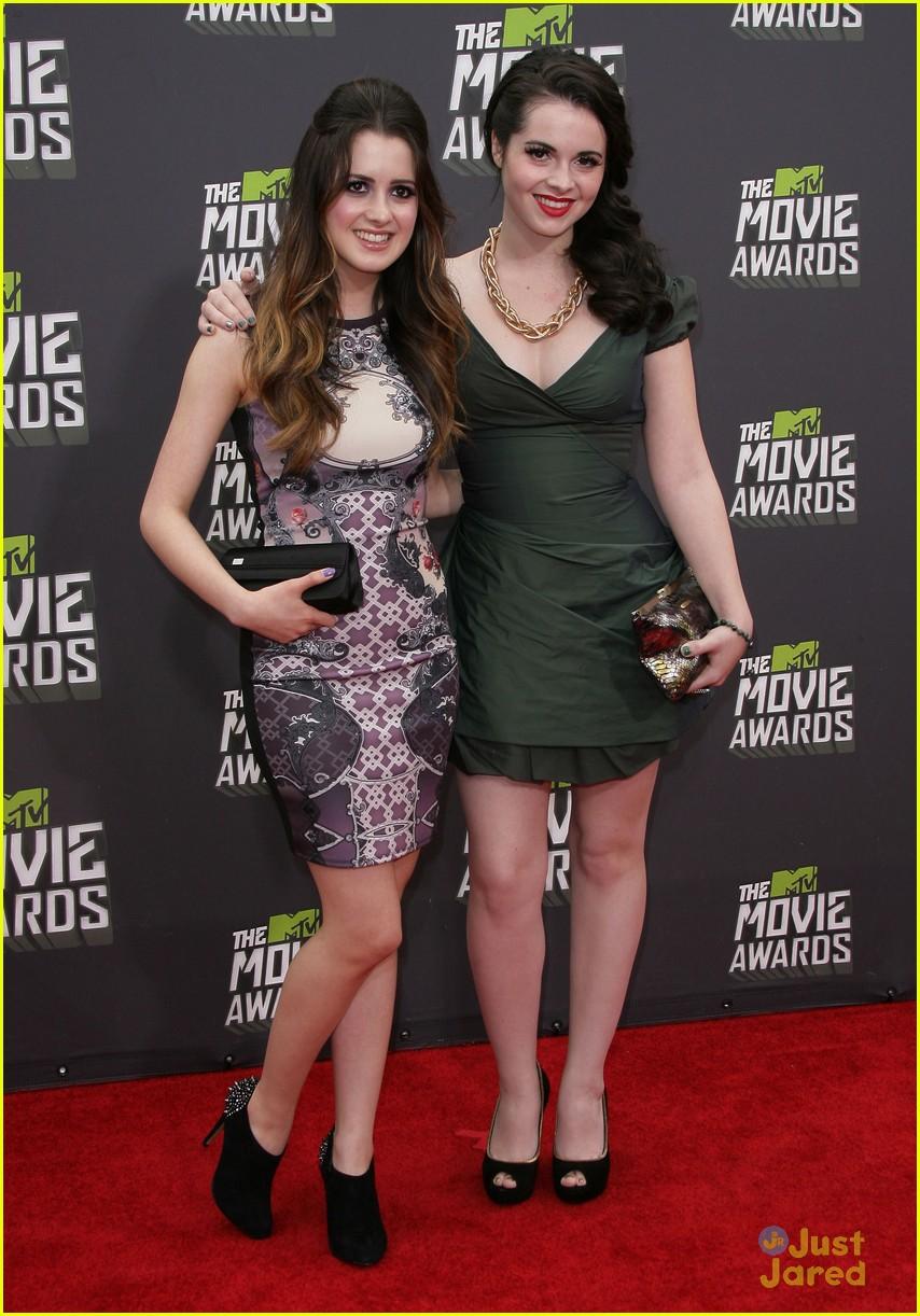 Vanessa & Laura Marano -- MTV Movie Awards 2013 | Photo ...