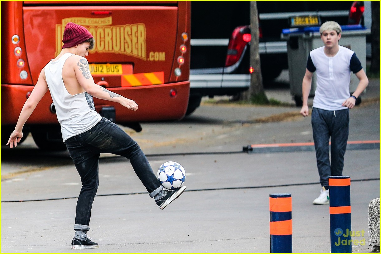 niall horan louis tomlinson soccer studs 12