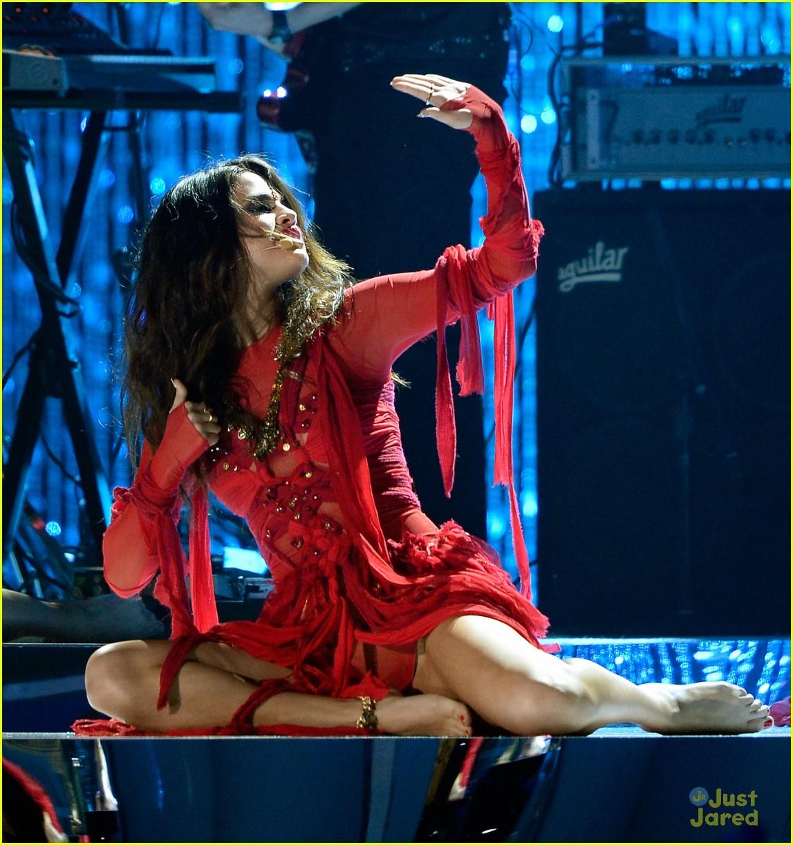 selena gomez mtv performance come get it 05