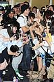 austin mahone gets swarmed by fans in tokyo 04