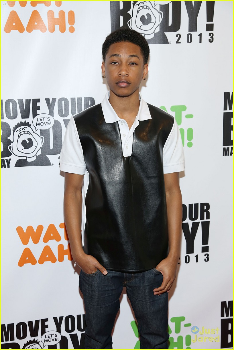 bella thorne jacob latimore move your body 13