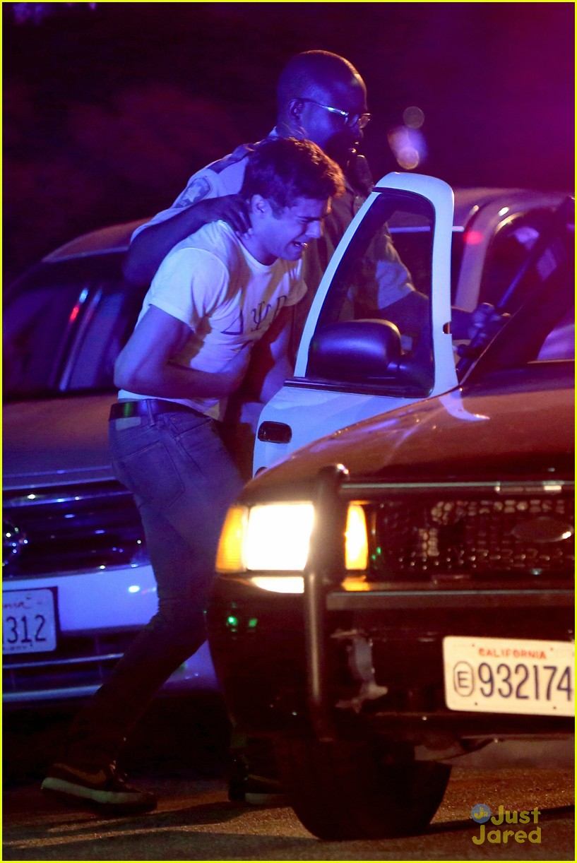 zac efron arrested townies set 06
