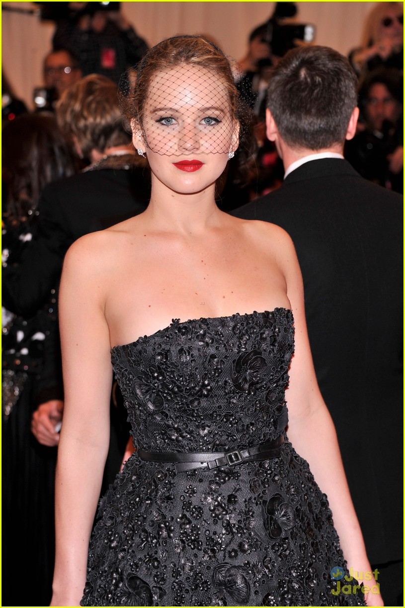jennifer lawrence met ball 02