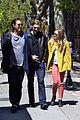 elizabeth soho stroll with boyd holbrook 10
