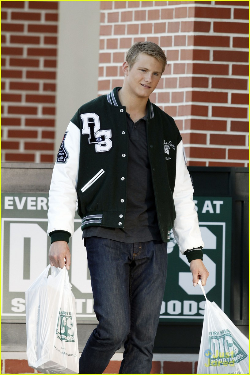 alexander ludwig game stands tall 01