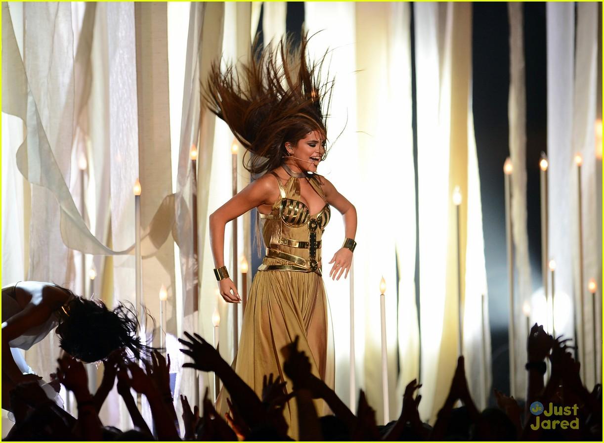 selena gomez bbma performance 06