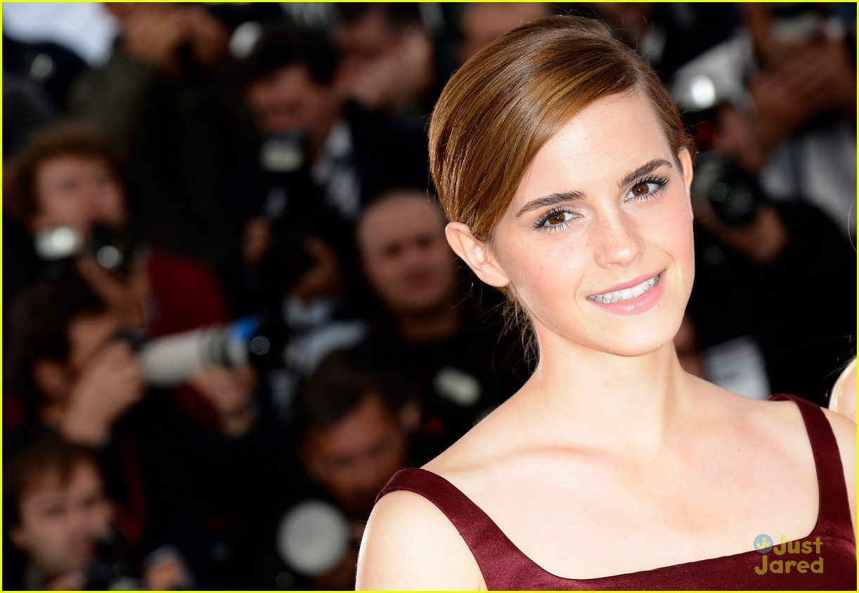 emma watson bling ring photo call cannes 06