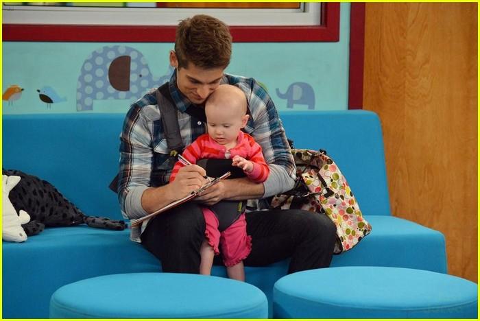 baby daddy daycare stills 04