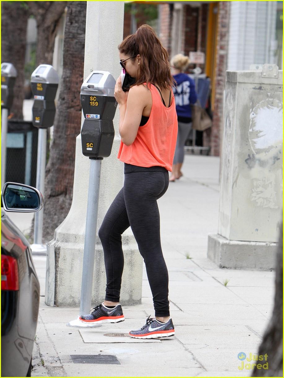 vanessa hudgens workout walk 08