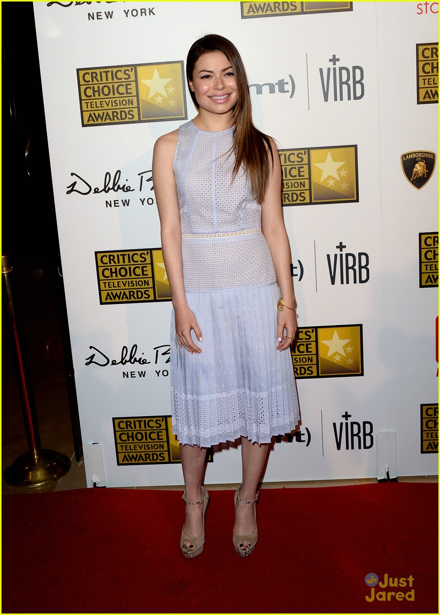 miranda cosgrove critics choice tv awards 05