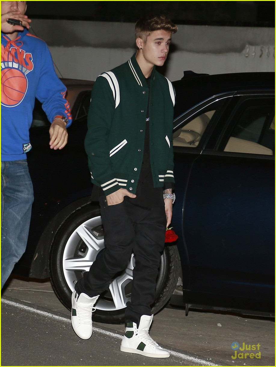 justin bieber attends selena gomez sbirthday party 05